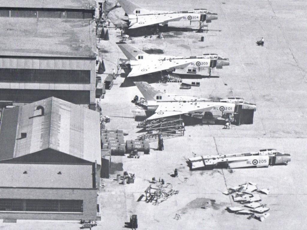 Ničení letadel po zrušení projektu.