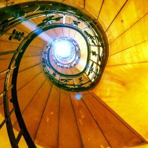 Bazilika sv. Štěpána, Budapešť - schody na vyhlídku do kupole