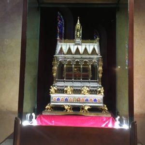 Bazilika sv. Štěpána, Budapešť - relikvie sv. Jakuba v boční kapli