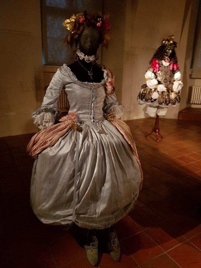 Barokní kostýmy v Národní knihovně