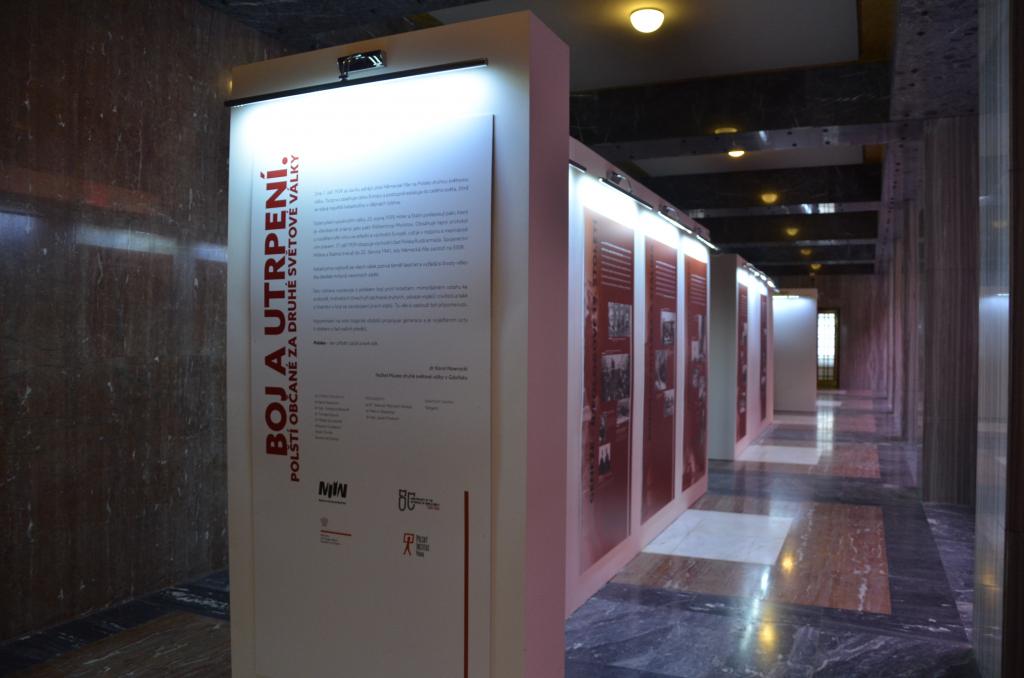 Výstava Boj a utrpení. Polští občané za druhé světové války